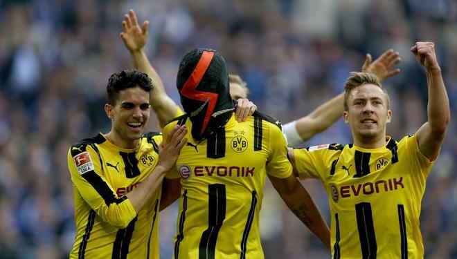 'Tuc nuoc vo bo', Dortmund trung phat Aubameyang hinh anh 1