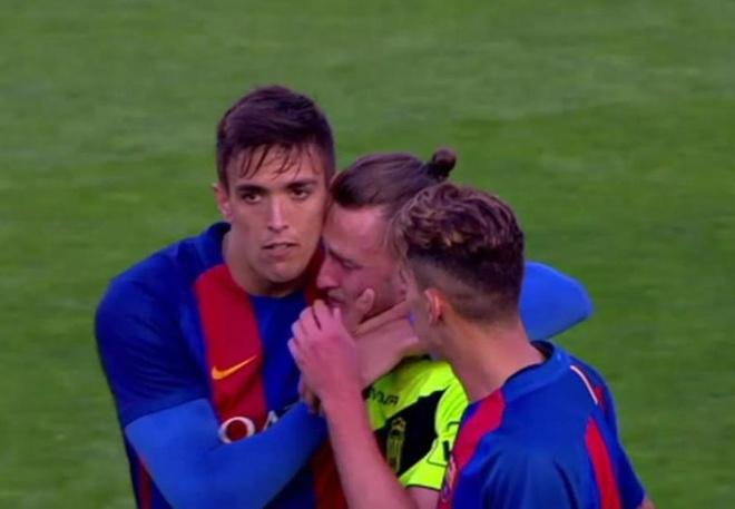 Vu Eldense thua Barca B 12 ban anh 1