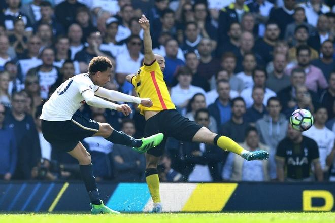 Ca doi MU nguoc nhin bo ba Tottenham hinh anh 7