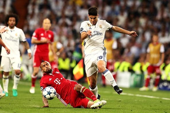 Trong tai giup Ronaldo ghi 2 ban viet vi va Casemiro thoat the do hinh anh 6