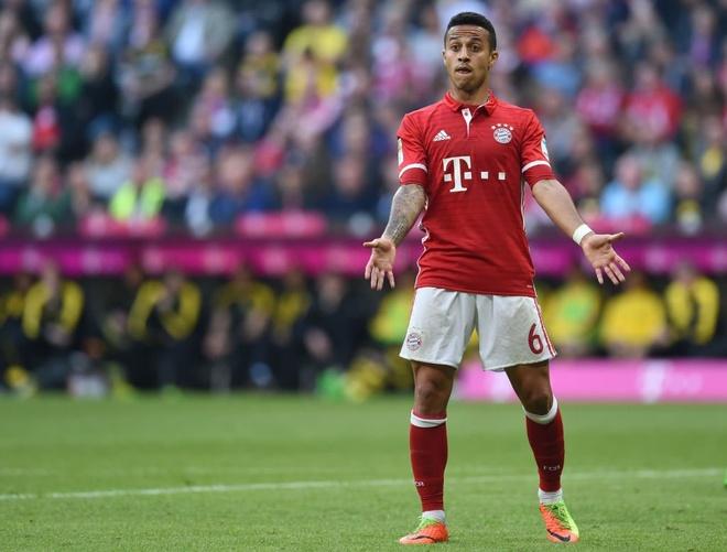 Sao Bayern 'danh hoi dong' trong tai sau tran thua Real hinh anh 4