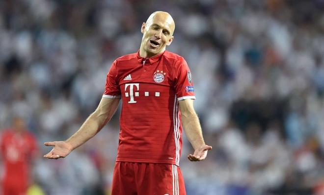 Sao Bayern 'danh hoi dong' trong tai sau tran thua Real hinh anh 2