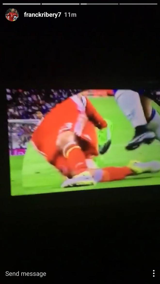Sao Bayern 'danh hoi dong' trong tai sau tran thua Real hinh anh 7
