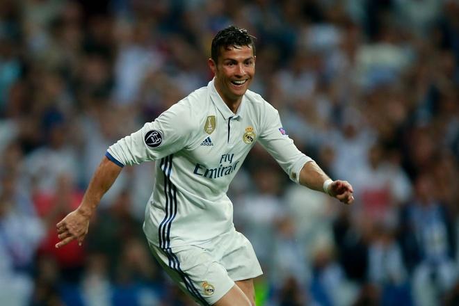 Trong tai giup Ronaldo ghi 2 ban viet vi va Casemiro thoat the do hinh anh