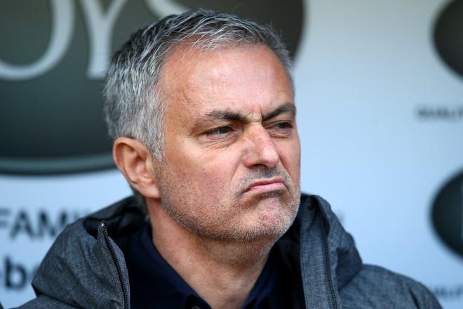 Mourinho san bang chuoi thanh tich an tuong cua Sir Alex 6 nam truoc hinh anh