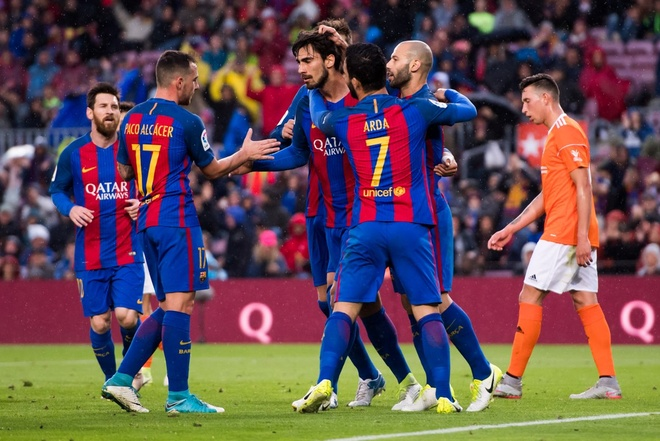 Mascherano ghi ban dau tien cho Barcelona anh 11