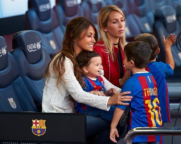 Dan tre nha Messi, Suarez thu hut moi anh mat o Nou Camp hinh anh 6