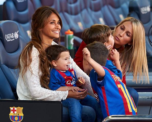 Dan tre nha Messi, Suarez thu hut moi anh mat o Nou Camp hinh anh 7