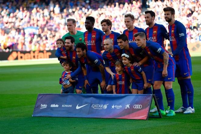 Dan tre nha Messi, Suarez thu hut moi anh mat o Nou Camp hinh anh 1