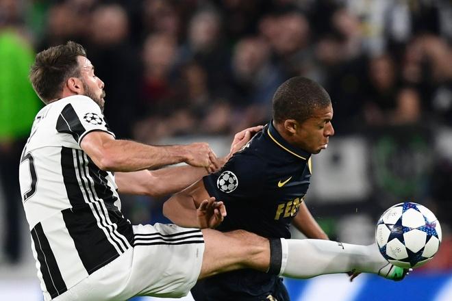 Monaco bi loai, Mbappe van pha not ky luc Champions League hinh anh 15
