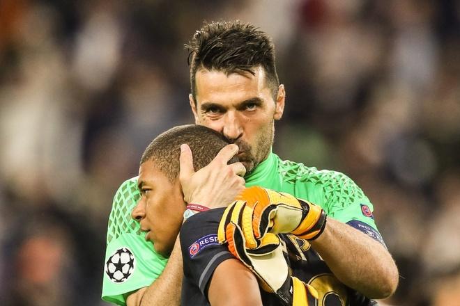 Monaco bi loai, Mbappe van pha not ky luc Champions League hinh anh 3