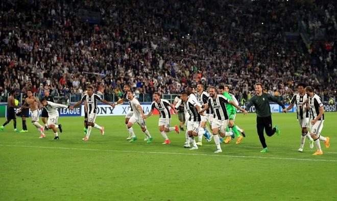 Monaco bi loai, Mbappe van pha not ky luc Champions League hinh anh 7