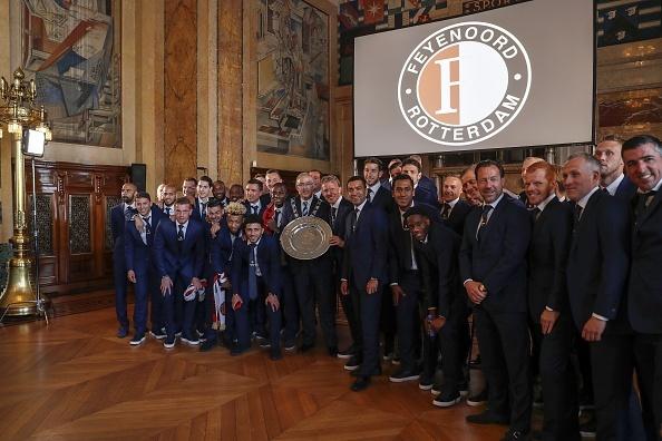 130.000 CDV Feyenoord an mung vo dich Ha Lan voi Dirk Kuyt hinh anh 5