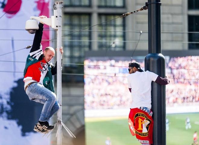 130.000 CDV Feyenoord an mung vo dich Ha Lan voi Dirk Kuyt hinh anh 11
