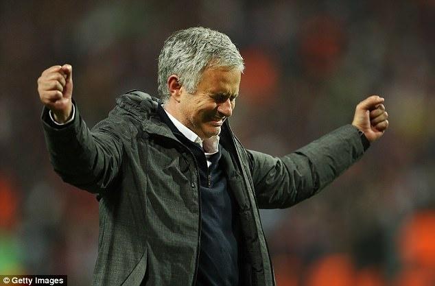 Truoc chung ket, Mourinho gap chan thuong tam ly hinh anh