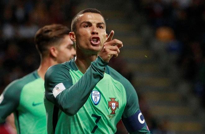 Ronaldo noi dai phong do huy diet sang vong loai World Cup hinh anh