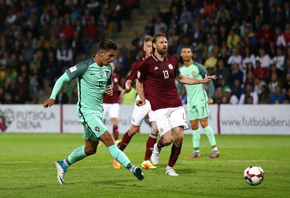 tran Latvia vs Bo Dao Nha anh 6