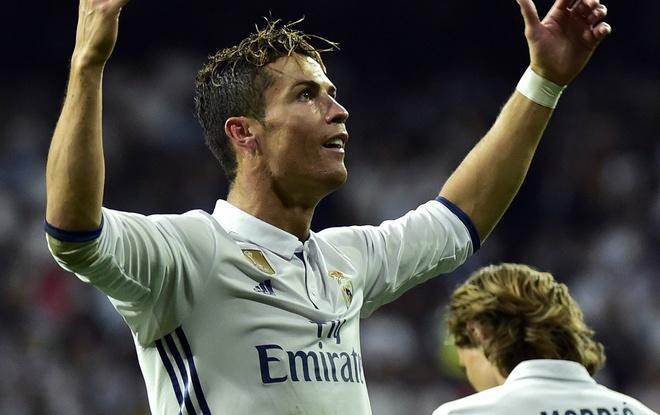 Phi giai phong hop dong cua Ronaldo la 1 ty euro hinh anh