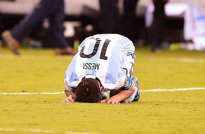 Chi sau 3 nam, Chile huy hoai giac mo cua ca Messi va Ronaldo hinh anh