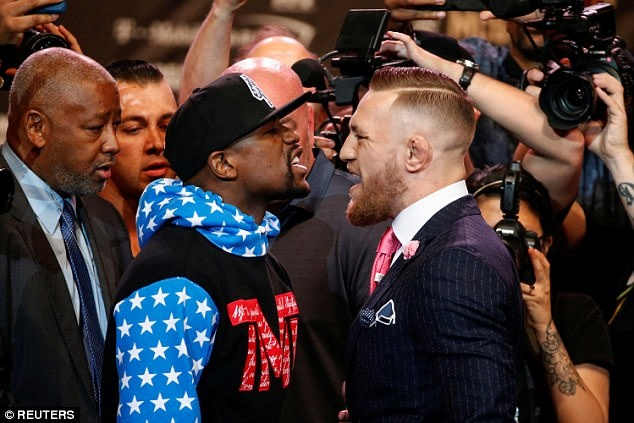 Nghich quoc ky CH Ireland, Mayweather khien McGregor noi gian hinh anh 9