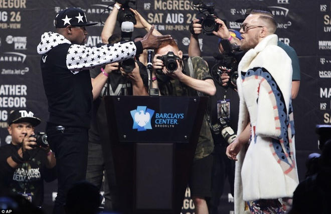 Mayweather vs McGregor anh 8