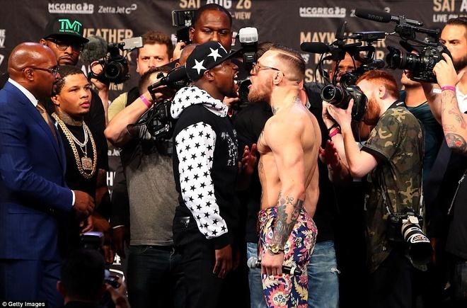 Mayweather vs McGregor anh 1