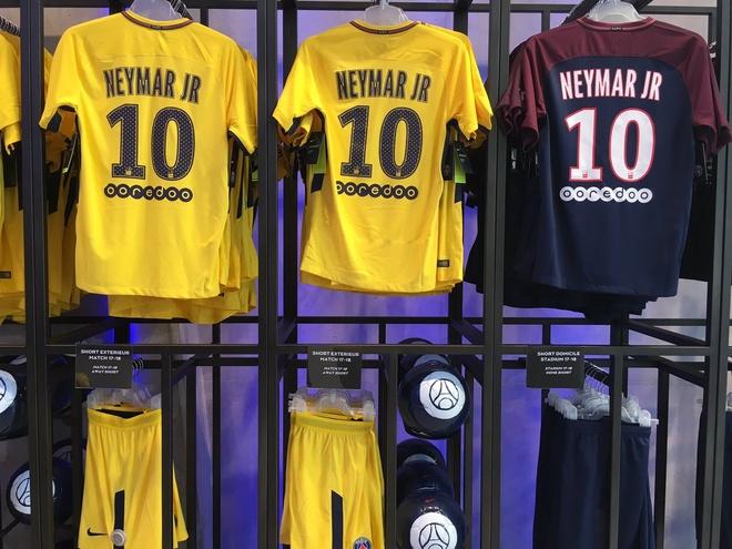 Neymar da toi Paris, chuan bi cho le ra mat lon nhat lich su PSG hinh anh 5