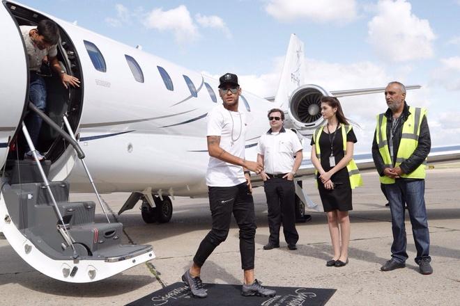 Neymar da toi Paris, chuan bi cho le ra mat lon nhat lich su PSG hinh anh 1