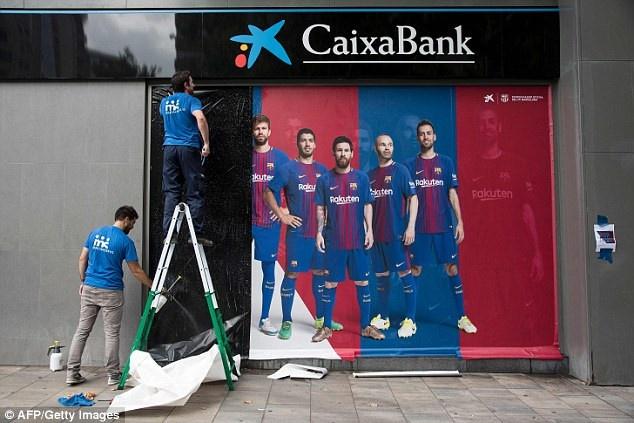 CDV Barca phan no dot ao 'ke phan boi' Neymar hinh anh 8