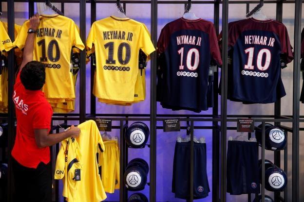 Lo tam sec 222 trieu euro chi tra thuong vu the ky Neymar hinh anh 3