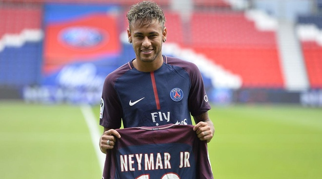 Neymar co the tiep tuc ngoi ngoai san hinh anh