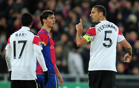 Tieng noi lich su: MU ngam qua dang khi chung bang Benfica, Basel hinh anh