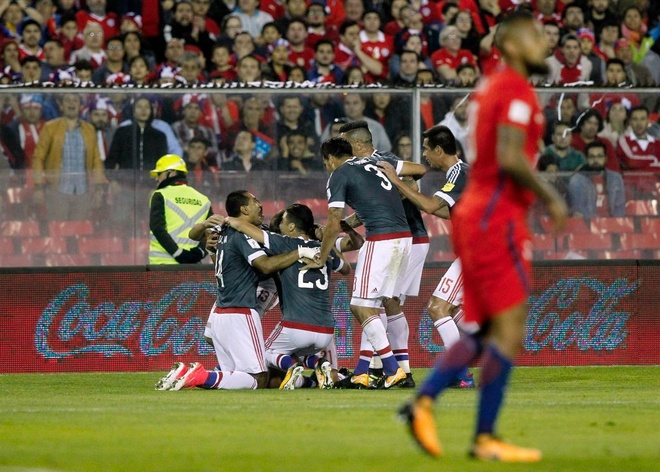 Vidal phan luoi, Chile guc nga 0-3 o vong loai World Cup hinh anh 3