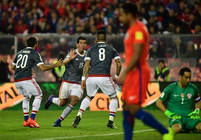 Vidal phan luoi, Chile guc nga 0-3 o vong loai World Cup hinh anh 5
