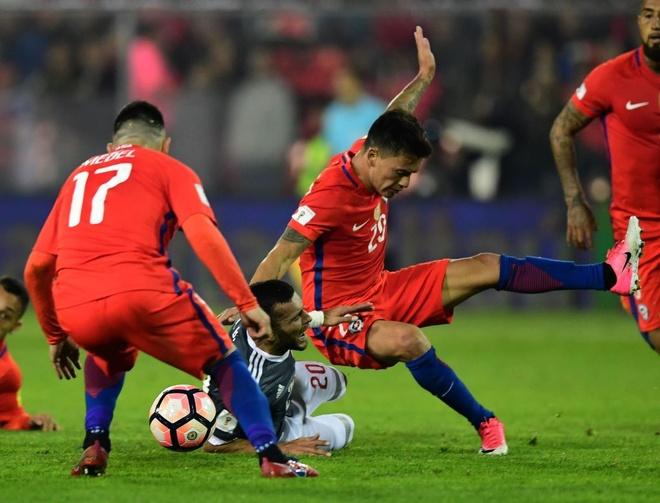 Vidal phan luoi, Chile guc nga 0-3 o vong loai World Cup hinh anh 4