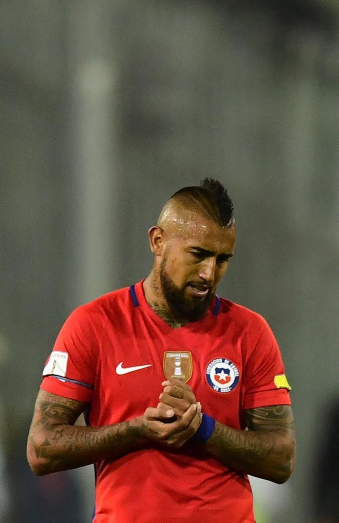 Vidal phan luoi, Chile guc nga 0-3 o vong loai World Cup hinh anh 8