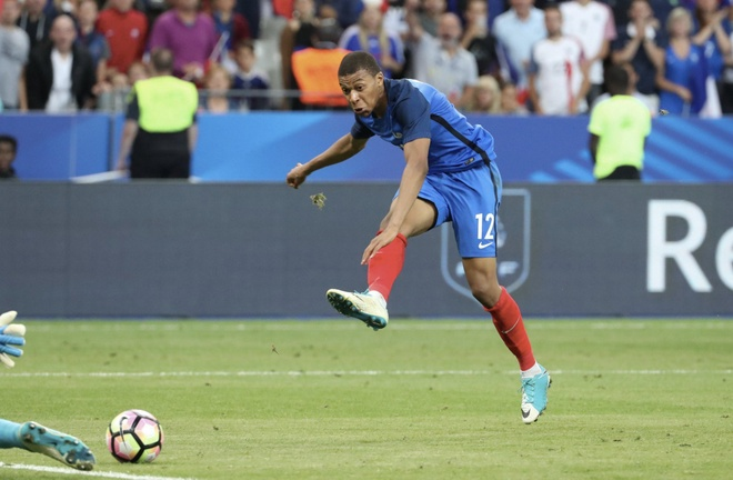 Mbappe giup Phap 'huy diet' Ha Lan o vong loai World Cup hinh anh