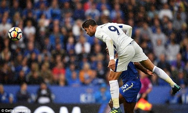 Fan Chelsea loi dung Morata de miet thi nguoi Do Thai hinh anh 2