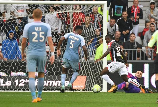 Tham bai 0-4, Monaco bi PSG cho 'hit khoi' hinh anh 5