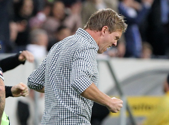 tran Hoffeinhem vs Bayern anh 9