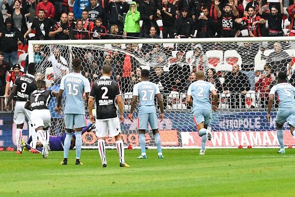 Tham bai 0-4, Monaco bi PSG cho 'hit khoi' hinh anh 1