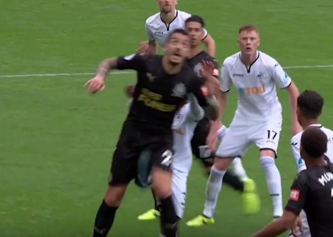 Ra mat Swansea, Renato Sanches da trung cho hiem cua doi thu hinh anh 1