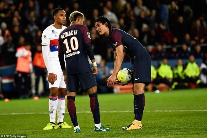 Neymar dinh dam Cavani trong phong thay do? hinh anh 2