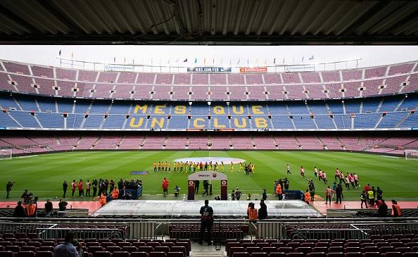Camp Nou hiu quanh voi 99.000 ghe trong do lenh cam khan gia hinh anh 1