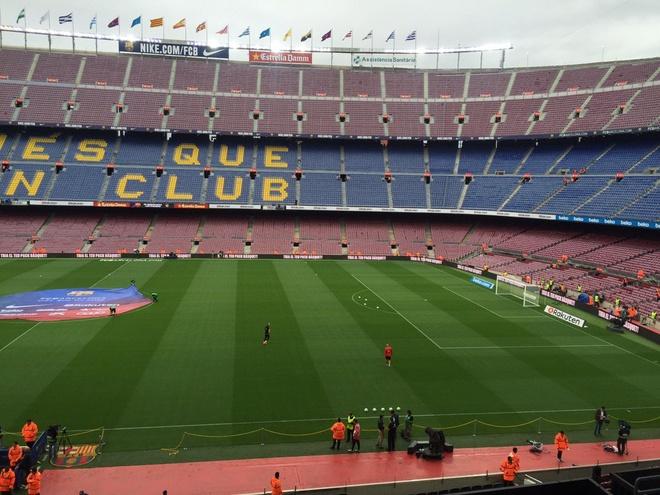 Camp Nou hiu quanh voi 99.000 ghe trong do lenh cam khan gia hinh anh 7