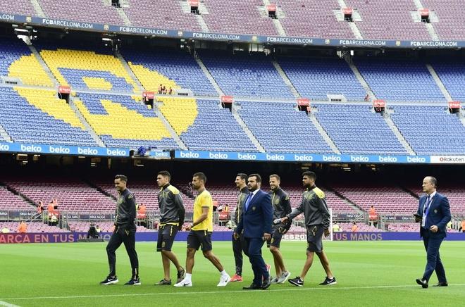 Camp Nou hiu quanh voi 99.000 ghe trong do lenh cam khan gia hinh anh 4