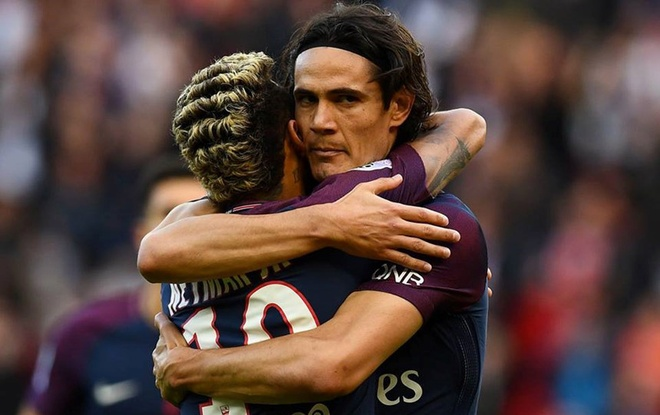 Fan PSG huyt sao phan doi Neymar, doi tra penalty cho Cavani hinh anh