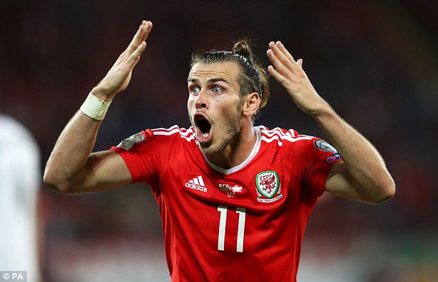 Gareth Bale dinh cu dup tin buon chi trong mot ngay hinh anh