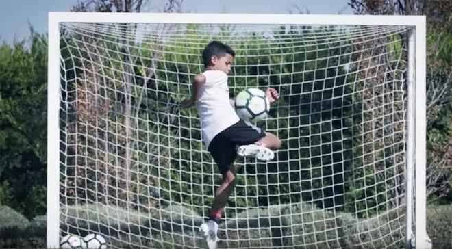 Ronaldo gui QBV di dau gia vi muc dich cao ca hinh anh 8