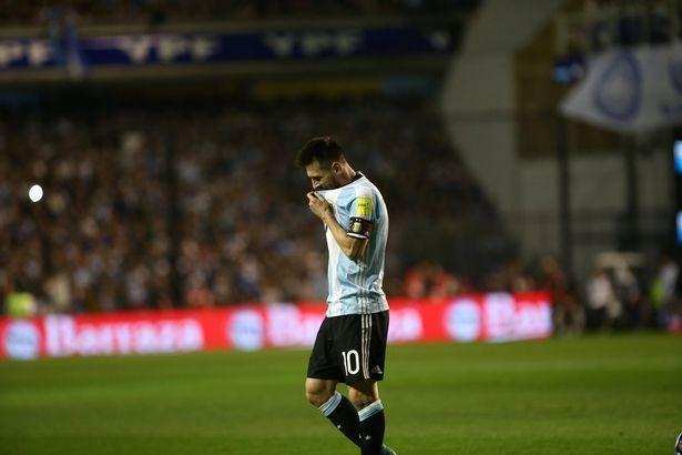 Kich ban khien Messi va dong doi o nha xem World Cup hinh anh 5
